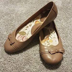 8.5 m/w Born Leather Ballerina Flats